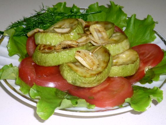 салат из кабачков с чесноком