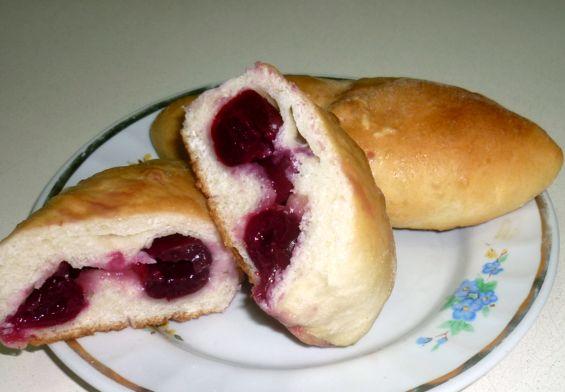 пирожки с черешней (1)